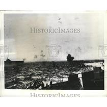 1941 Press Photo German Dive-Bombing Attack on Mediterranean - nef62296
