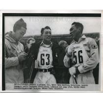 1952 Press Photo Kenichi Yamamoto, R Fujisawwa at 18km ski jump with reporter Ky