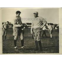 1932 Press Photo Head Coach Mal Stevens of Yale Football and Bob Lassiter