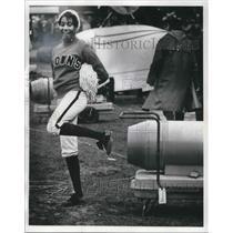 1971 Press Photo Browns vs Colts Happy Browns Fan - cva09241