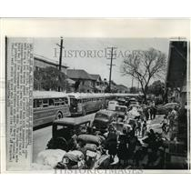 1972 Press Photo Japanese-Americans Leave Los Angeles Homes for Relocation WWII