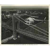 1972 Press Photo Terminal Airwaays Corp jet helicopter at NYC GW bridge