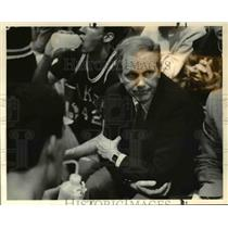 1987 Press Photo Sonny Long, Lake Oswego High School Boys Basketball coach