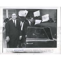 1965 Press Photo Governor McKeithen Try to Solve Issues