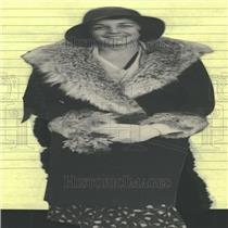 1930 Press Photo Nancy Lee Woman Coat Hat