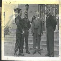 1945 Press Photo Homefolk Met Berlin Politician German