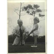 1934 Press Photo Edyth Skipper & golfer dad Tom Skipper at Virginia Beach