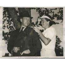 1938 Press Photo Mrs Harry McNaughton & husband at Women's National golf NY