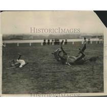 1924 Press Photo Black Cartridge throws jockey at Newbury races - nes53964