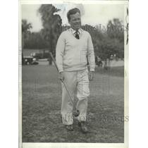 1933 Press Photo Former NYC Mayor Joseph McKee golfs at West Palm Beach Fla
