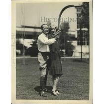 1928 Press Photo Tim McCoy Shows Gwen Lee How to Operate Australian Boomerang