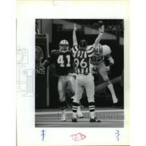 1989 Press Photo New Orleans Saints - Refree Proclaims a Touchdown - noa01512