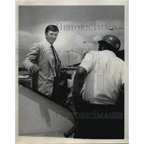 1970 Press Photo New Orleans Saints- Tom Fear- Saints arrival at airport.