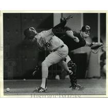 1989 Press Photo LSU Tigers Baseball - Oklahoma's Darron Cox Scores - nos00632
