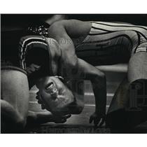 1989 Press Photo Cory Wallenberg against Chad Vukavich wrestle at the tournament