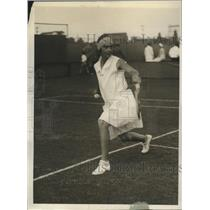 1930 Press Photo Mrs. Lawrence Harper playing against Mrs. Chase at West Side
