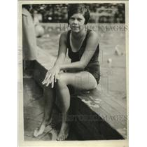1925 Press Photo Pacific Coast swimmer Zelda Johnson poses for a photo
