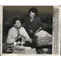 1949 Press Photo Yankees ticket manager Joe Marine World Series ticket orders