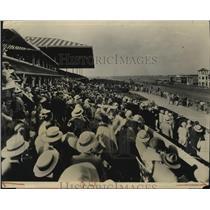 1931 Press Photo Crowd of fans at Miami Jockey Club's Hialeah Park track