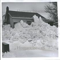 1961 Press Photo St Clair dirven ice Canadian wind dock
