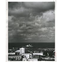 1964 Press Photo Black Clouds Rain Tampa Bay Picture