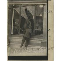 Press Photo Window India House London armed raiders
