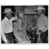 1962 Press Photo Dr. Earle Cochran of Pendleton Round-Up with Hank Arkell