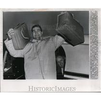 1953 Press Photo Heavyweight champ Rocky Marciano in New York for title defense