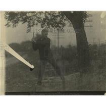 1922 Press Photo Johnny Kilbane chops wood at boxing training camp - net30906