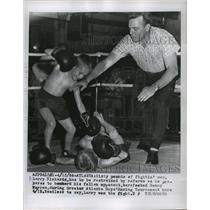 1956 Press Photo Larry Richards vs Bennie Warren at Atlanta GA kids boxing