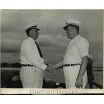 1937 Press Photo Richard Leche Congratulates Hugh White on Governors Yacht Race