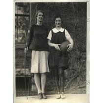 1928 Press Photo Archer Hilda Wright & basketball captain Leah Rose Bernstein