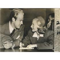 1942 Press Photo Actors Michele Morgan, William Marshall Apply for Marriage