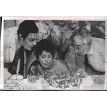 1963 Press Photo Sophia Loren Celebrates Birthday w/ Marcello Mastroianni