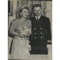 1945 Press Photo Marguerite Balado and Lt Edward Albert Married in New York