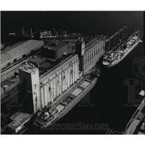 1965 Press Photo Grain Elevator at the Alabama State Docks - abnx00675