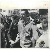 1973 Press Photo Capt William Schwertfeger Prisonerof War Released at Hanoi