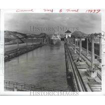 1966 Press Photo Miraflores Locks, Panama Canal - ftx01943