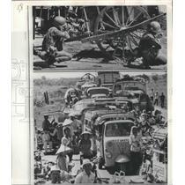 1972 Press Photo Phu Hoa, Vietnam Civilian Traffic during North Vietnam Attack