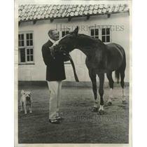 1931 Press Photo King Christian of Denmark w/ Horse at Marselisborg Castle