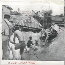 1941 Press Photo Japan Flooding Rescue Crew Working