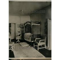 1924 Press Photo Interior House Bed Study Lamp Chair - RRU33307