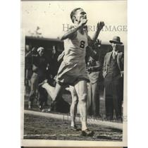 1929 Press Photo Alex McKinnon of Stanford wins mile race vs USC - sbs02752