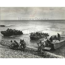 """1962 Press Photo GI's Land in France in """"The Longest Day"""" Best Picture Nominee"""