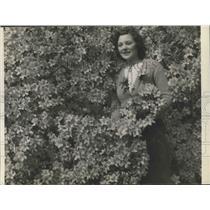 Press Photo Irma Murrill on Azalia Trail, Bellingrath Gardens, Mobile, Alabama