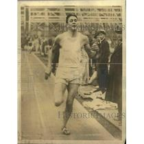 1933 Press Photo Gene Venzke wins 3/4 Mile at Penn Relays - sbs03227