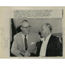 1958 Press Photo Horace Stoneham Says Goodbye to Leo Durocher Giants' Manager