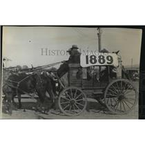 1929 Press Photo Stagecoach with 1889 banner on side - spx16923