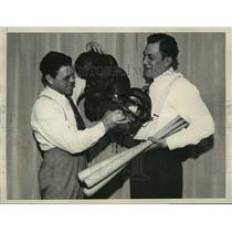 1932 Press Photo King Levinsky & Mickey Walker Before Chicago Boxing Match