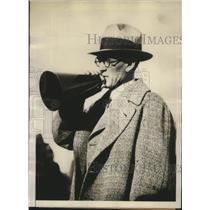 1929 Press Photo Walter Okeson Coaches Between Halves of Harvard Football Expo